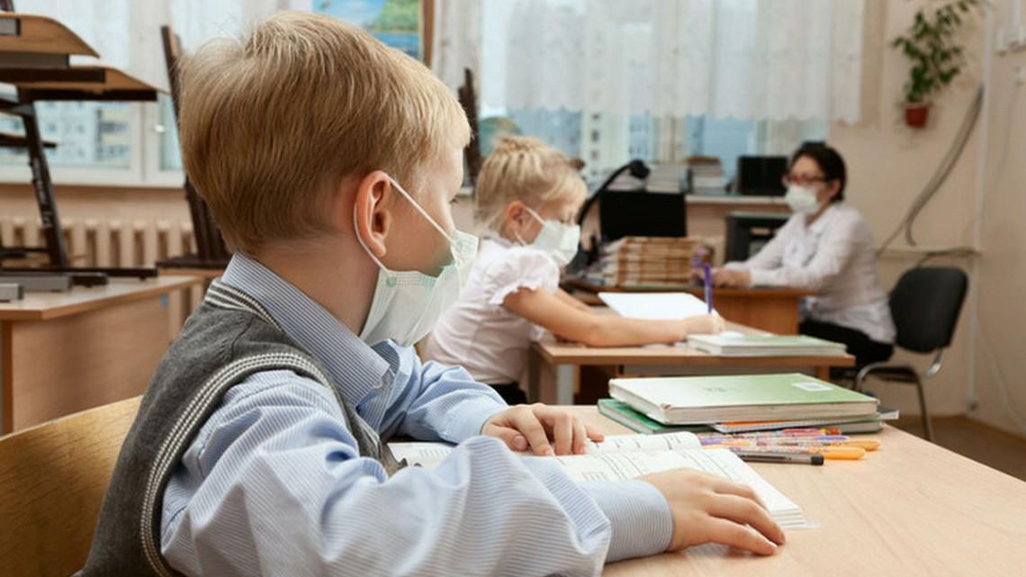 Школи Хмельниччини на сто відсотків готові до роботи в умовах карантину, – ОДА