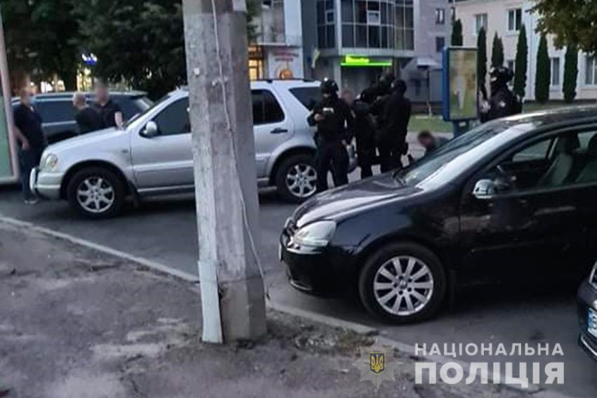 Резонансне затримання в центрі Хмельницького: у зловмисників вилучили тротилові шашки