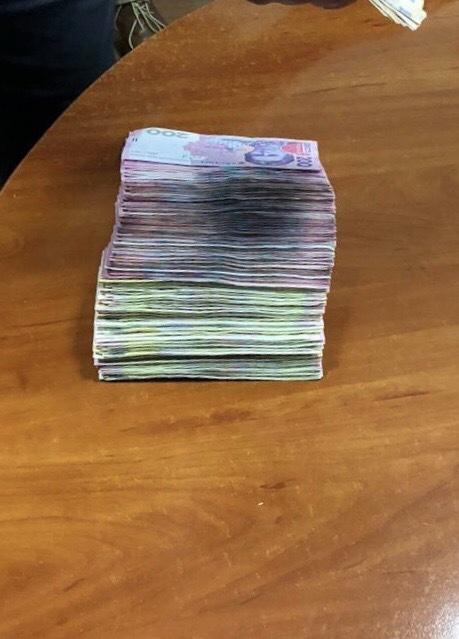 На Хмельниччині викрито злочинну схему привласнення зарплат підлеглих посадовцями Пенсійного фонду