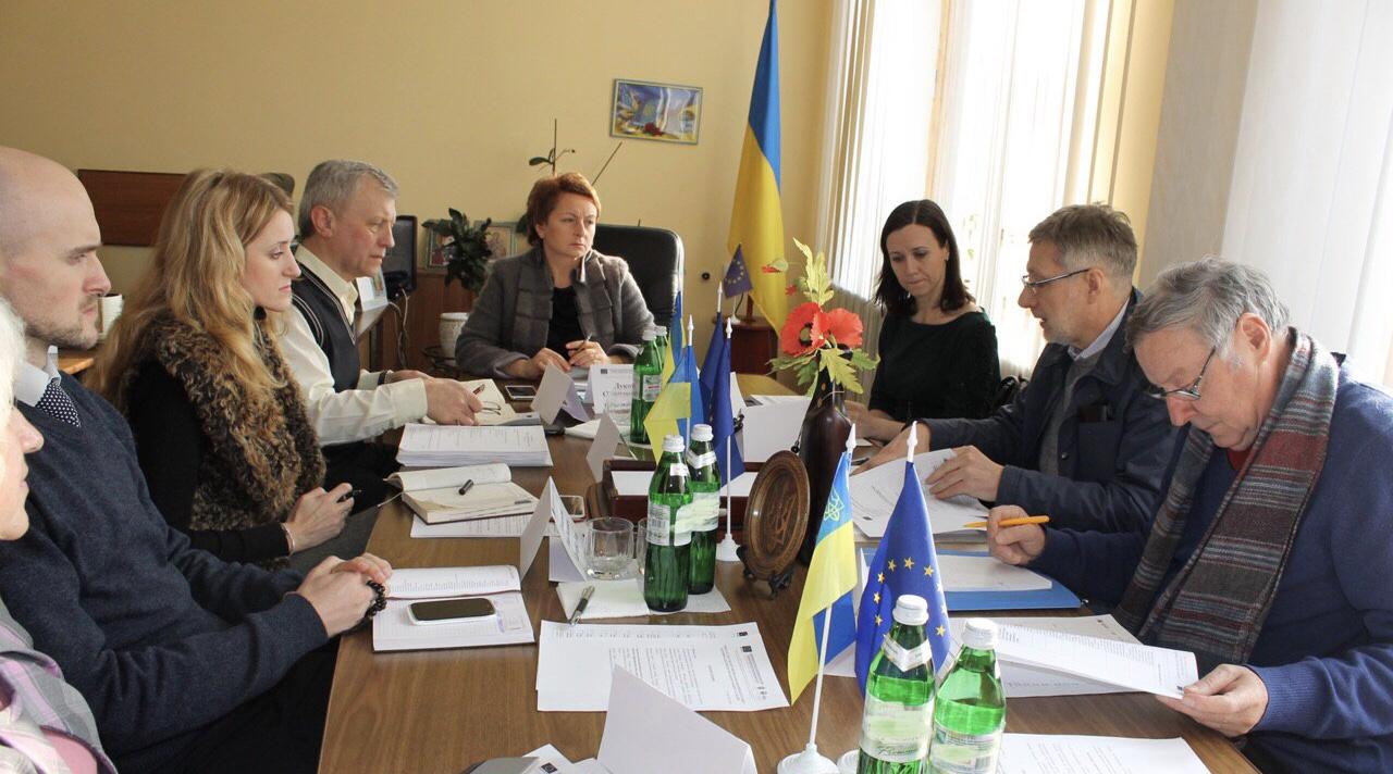 Світлана Лукомська: «Законодавчі акти у соціальній сфері потребують ревізії, інакше – попереду глухий кут»