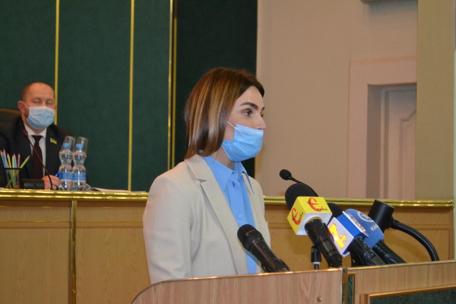 Ми ініціюємо страхування медиків Хмельниччини, які працюють із хворими на COVID-19, – Віолета Лабазюк