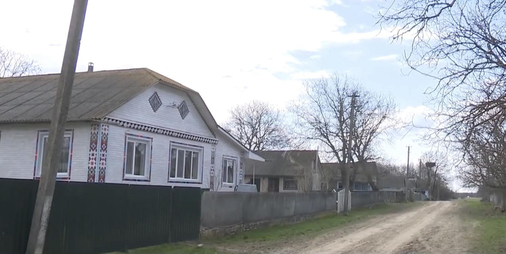 Безкоштовні хати для багатодітних родин пропонує сільська громада на Хмельниччині (ВІДЕО)